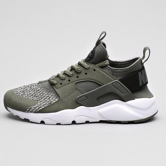 55ada793f67c Nike air huarache run ultra se Gs river rock. M 5b29df2a6a0bb7e026ec710e